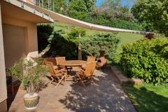 Terrasse-mit-Sonnensegel